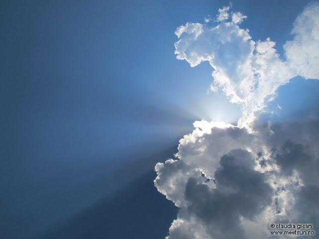 soarele din nori