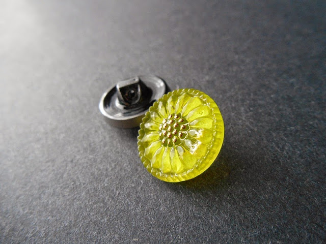 Czech Glass Lime and Hematite Buttons