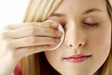 phuong phap bao quan go va ve sinh mi gia dung cach 3 Phương pháp bảo quản gỡ và vệ sinh lông mi giả đúng cách