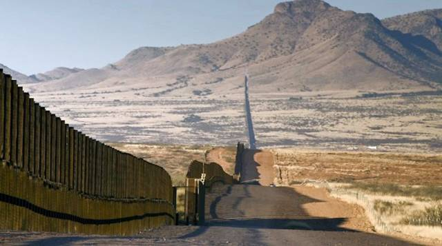 The Border Between USA And Mexico Unknown Kingdom - Usa and mexico