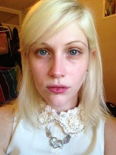 blonde natural girl girls women make up makeup cosmetics beauty blog blogger