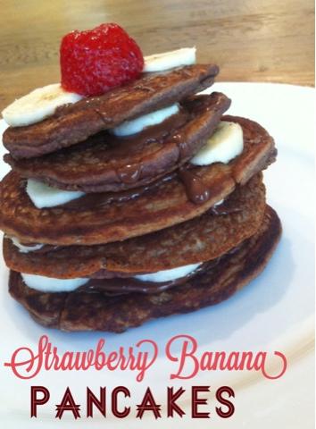 Beauty and Bananas : Strawberry Banana Pancakes