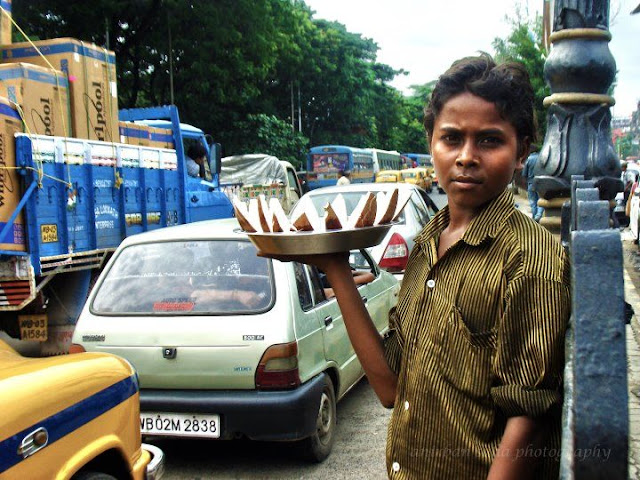 street photography, kolkata, morning, child labour, child worker