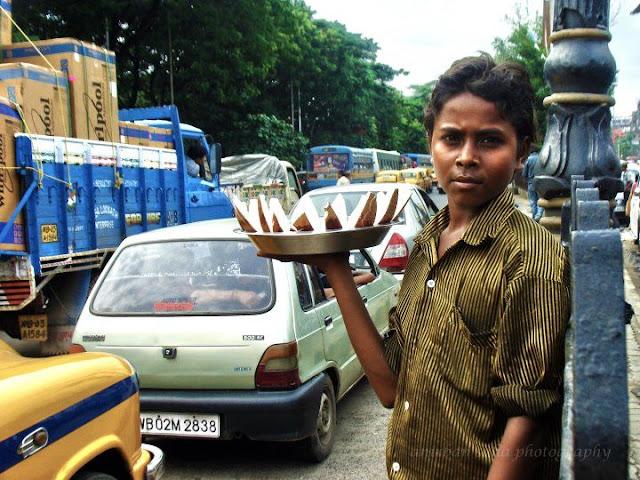street photography, kolkata, morning, child labour, child worker