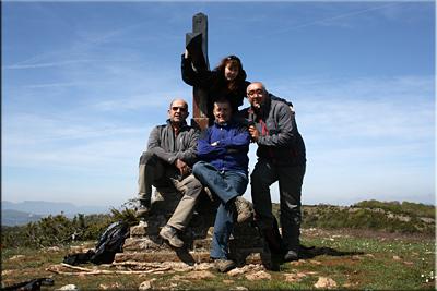 Cruz de Alda/Perriain mendiaren gailurra 1.120 m.  --  2014ko maiatzaren 4an