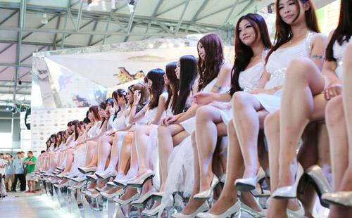 Chiêm ngưỡng dàn chân dài miên man tại Chinajoy 2012 4