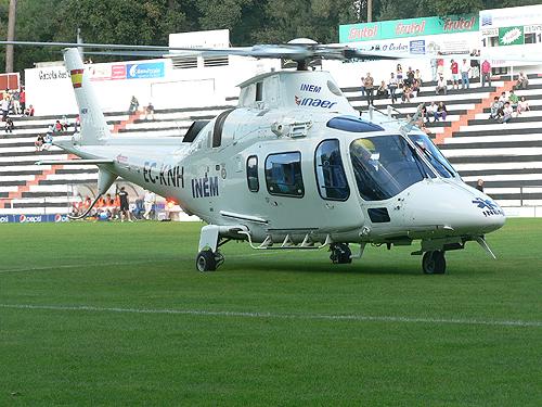 Helicóptero aterrou no relvado do Campo da Mata