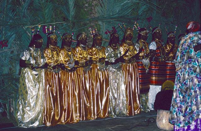 الزواج والافراح فى جيبوتى تتناغم العادات العربية والافريقية (( صور ))Djibouti  001%252520Mariage%252520afars%252520decembre%2525201990