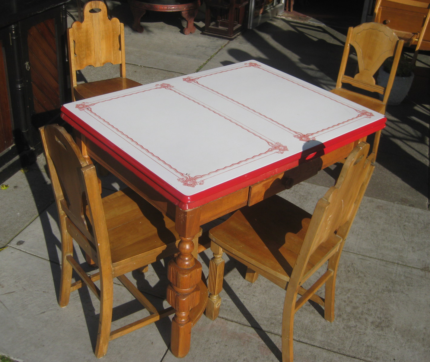 uhuru furniture  collectibles sold  1940s enamel table