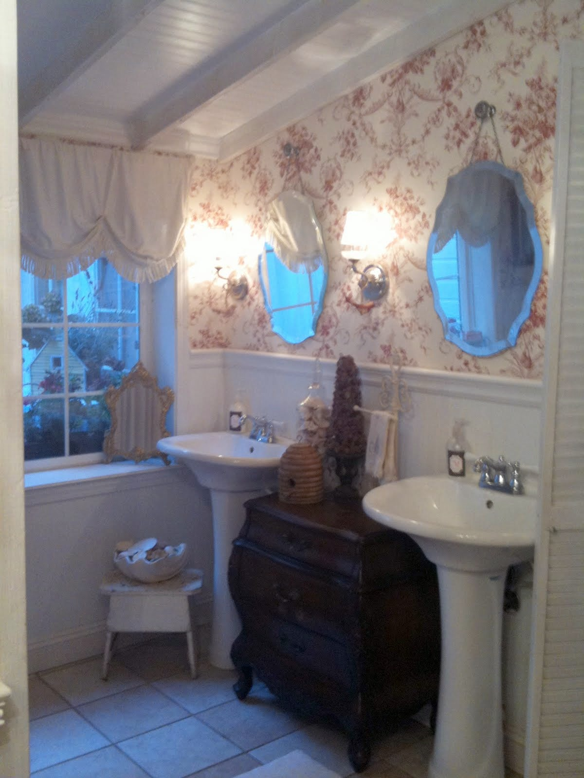 Handy man crafty woman wicked awesome wednesday 3 for Diy home staging ideas