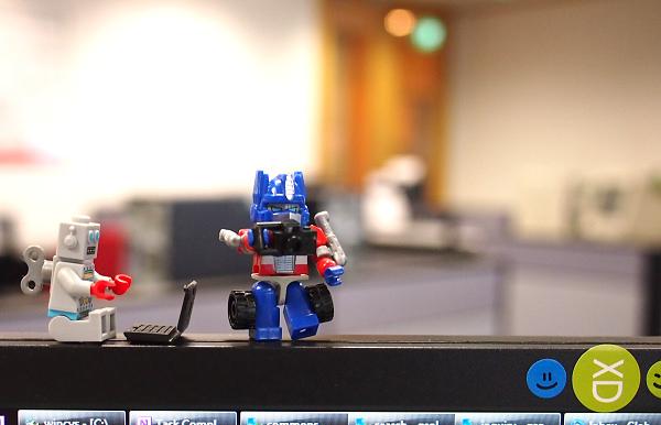 Do you mind?! - Mister Clockwork Robot to Kreon Optimus Prime