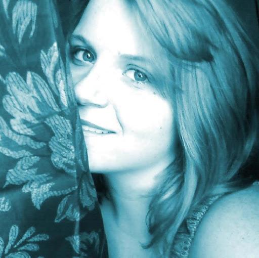 Liz Velarde Photo 6
