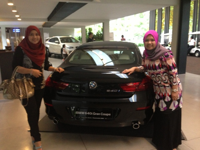 Julianazren and Shuhada Test drive BMW F30 at Ingress Auto