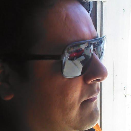 Moises Arriaga Photo 7