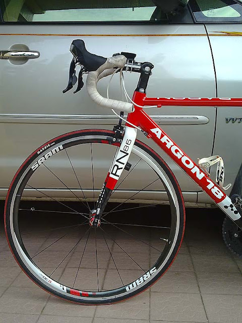 Argon 18 with SRAM S30AL race wheelset