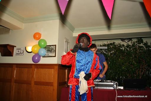 sinterklaas en feestavond msv overloon 02-12-2011 (44).JPG