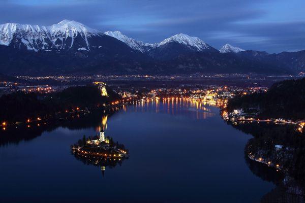 Magic+Bled+Island%252C+Slovenia%25E2%2580%2599s+Picturesque+Wedding+Location+%25288%2529.jpg