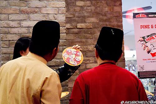 contoh pizza
