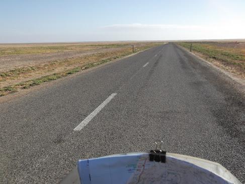 Marrocos e Mauritãnia a Queimar Pneu e Gasolina - Página 9 DSCF1043