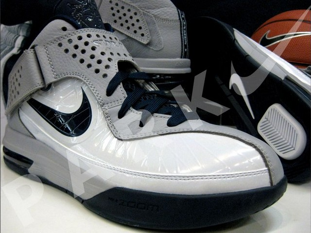 quality design 58d12 bf6c3 ... Actual Photos of Nike Air Max Soldier V 5 White amp Navy ...