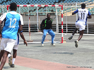 30èm édition 2013 du championnat national de hand-ball de la RDC avec les provinces: Bandundu, Kasaï-Oriental,  Katanga, Kinshasa le 07/08/2013 au stade de martyrs à Kinshasa. Radio Okapi/Ph. John Bompengo