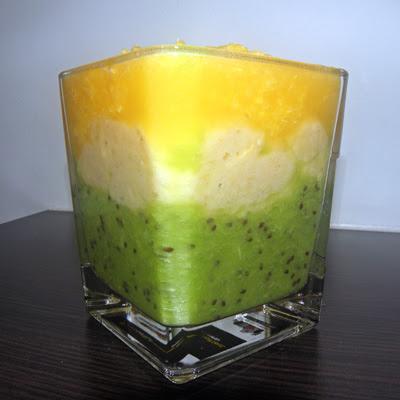 koktajl trójwarstowy kiwi banan pomarańcza