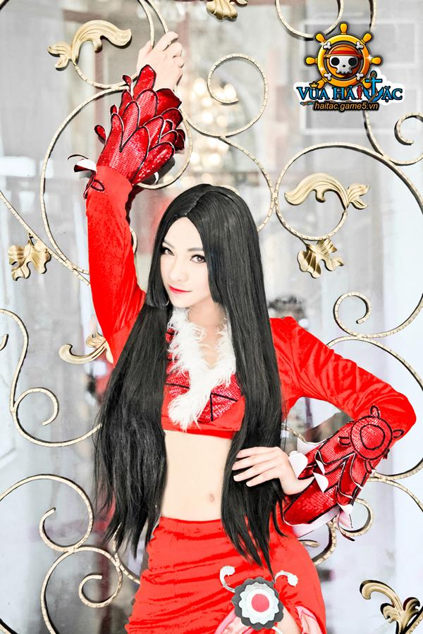 Ly Ba Lan quyến rũ trong cosplay Boa Hancock 4