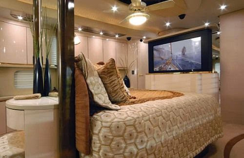 The cosy king-sized bed on the world most expensive bus