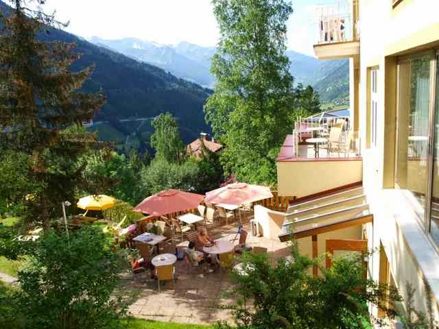 Terrasse zum Tal Hotel Alpenblick