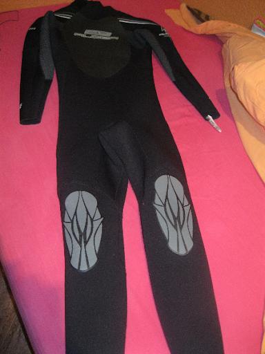 vendo traje de neupreno color negro