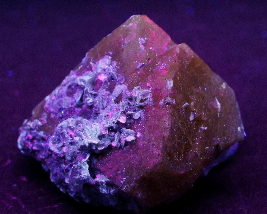 Colección de Minerales Fluorescentes - Página 3 _DSC4517