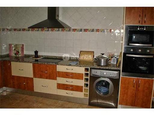 Se vende muebles de cocina nuevos, con horno microondas - Cambalache