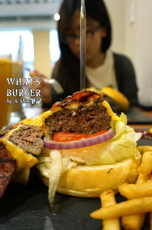 DSC08472 - 【熱血採訪】What's Burger |隱藏一中街餐廳推薦,What's Burger波蘿麵包與美式漢堡激發出美味新創意