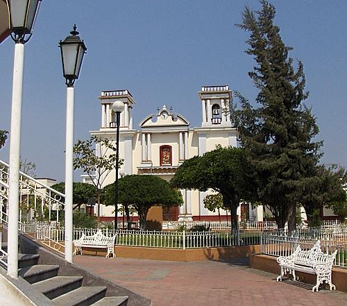 Turismo en fotos estado de colima y sus 10 municipios for Jardin de la villa colima