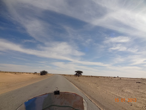 Marrocos e Mauritãnia a Queimar Pneu e Gasolina - Página 7 DSC06059