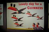 Reklame af Guinness' relkamer gennem tiden. Her fra 1943.