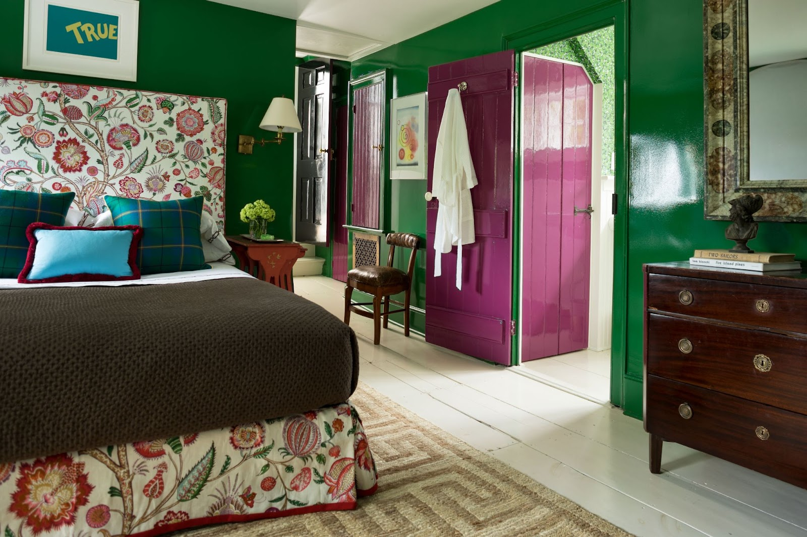 Green Lacquered Build A Modern Bedroom