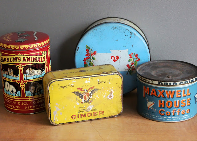 Ginger tin available for rent from www.momentarilyyours.com, $1.