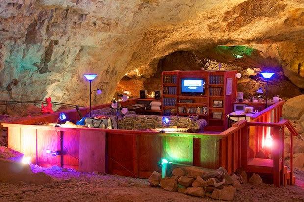 Самые лучшие отели мира, самые неординарные отели мира,  La Villa Hamster, Нант, Франция, Bubble Tree, Grand Canyon Caverns Suite, Аризона, Propeller Island, Берлин, Save the Beach Hotels,