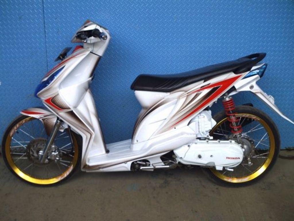Modifikasi Striping Honda beat Karbu AGV Pista Shark