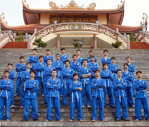 Sinh viên FPT Polytechnic đi tham quan