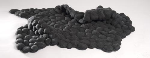килим от истински камъчета