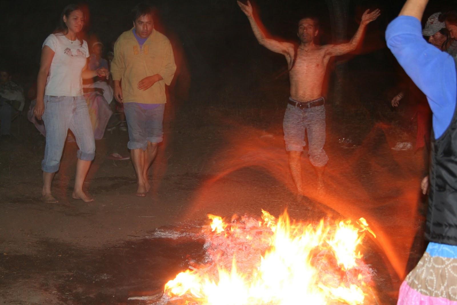 Caminando Fuego Caminando Sobre el Fuego es