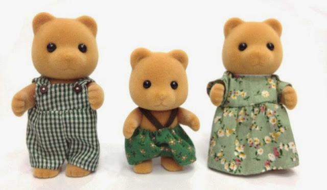 Gia đình nhà gấu với bộ lông vàng mềm mại