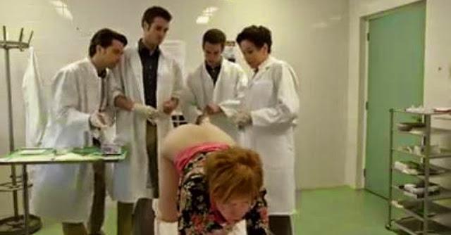 Vídeo engraçado: Mulher faz exame rectal no médico mas o resultado acaba mal