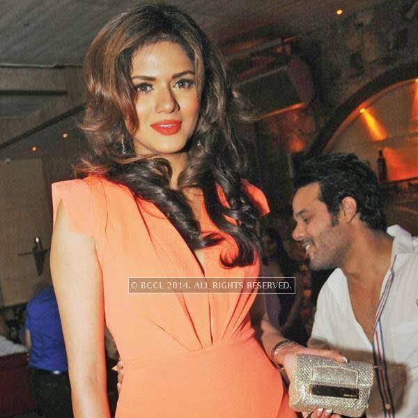 Amanpreet Wahi at Honey Katiyal's 36th birthday party held in Delhi.