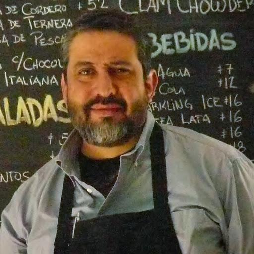 Roberto Hoyo