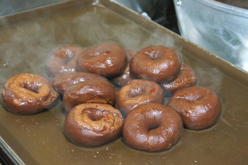 板橋美食推薦-扎實又有嚼勁的貝果【Bügel Bagel貝菈禮房】廚房直擊