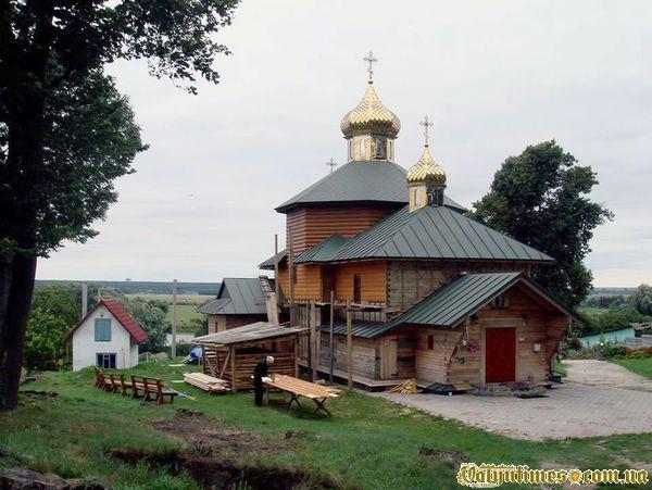 Церква в Розважі. 23 липня 2013 року.