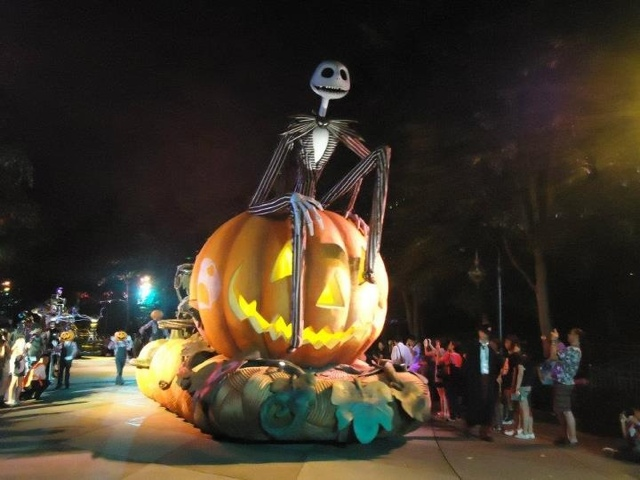 Halloween parade at Disneyland Hongkong